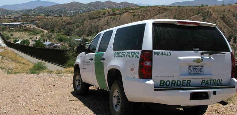 Ford SUV, Border Control